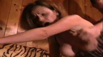 Домашний секс с грудастой брюнеткой и ее хахалем