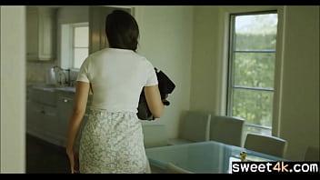 Сногсшибательная китаянка с темными волосами приняла в дупло стволы 2-ух факеров